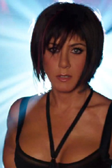 jennifer-aniston-stripping-07