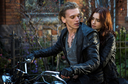 mortal-instruments-city-bones-still-06