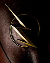 THE-FLASH-LOGO-HELMET